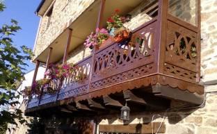 Balcón de madera